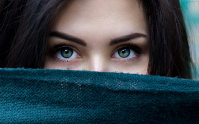 Girl with green eyes, healthy skin